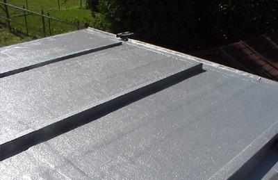 Bitumen Flüssig Flachdach : bitumendach undicht flachdach reparieren abdichten ~ Watch28wear.com Haus und Dekorationen